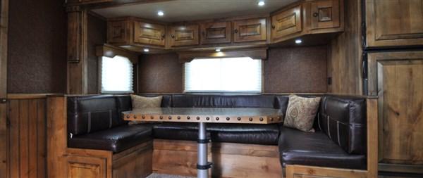 Logan Coach Ultra Interior