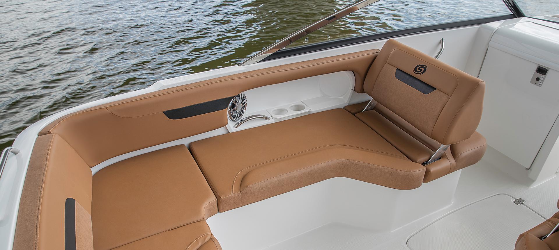 Hurricane Boats SunDeck 235 OB
