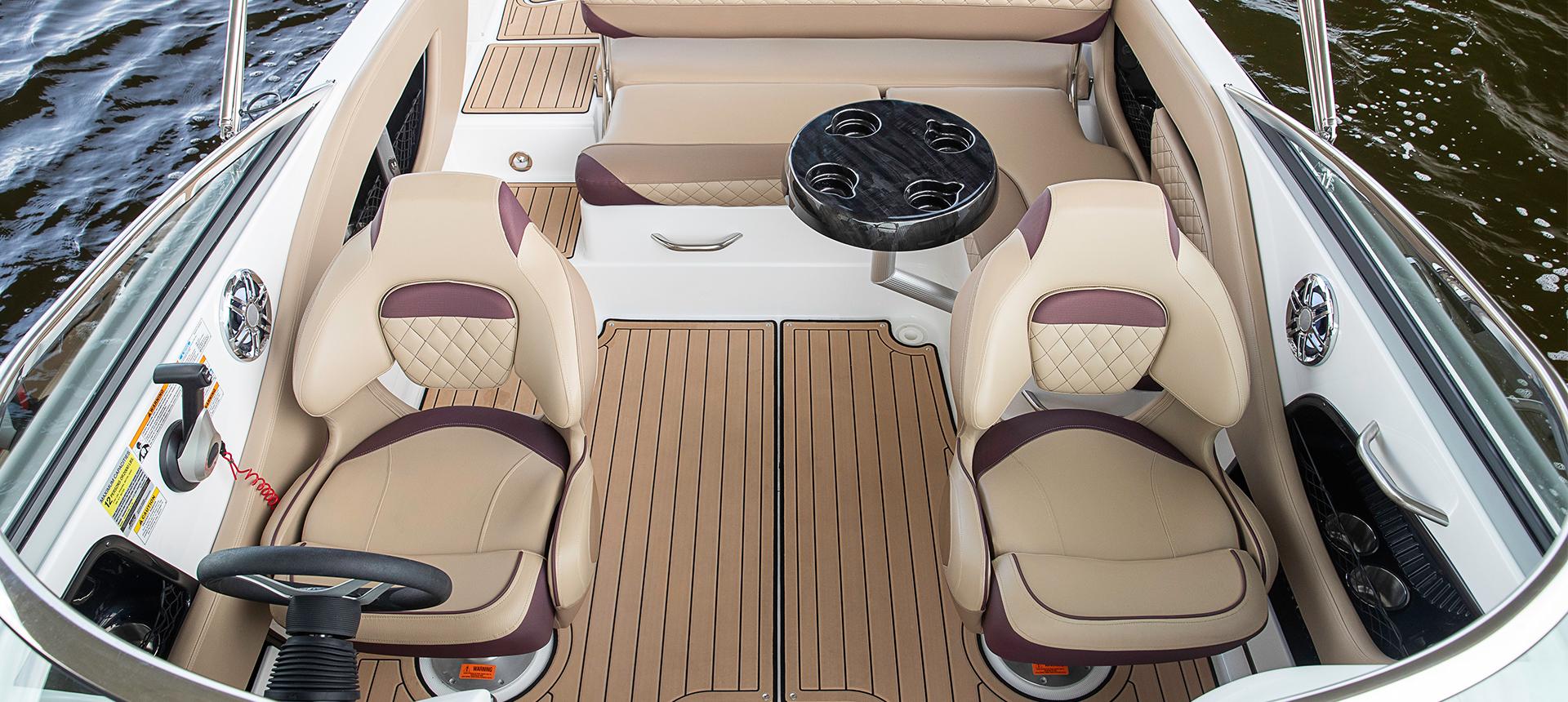 Hurricane Boats SunDeck 2410 OB