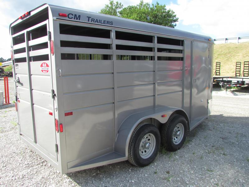 CM 3 Horse Slant Horse Trailer