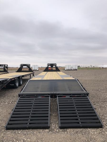 2021 Delco Trailers 102X25 (24K) Tandem Dual Gooseneck Equipment Trailer