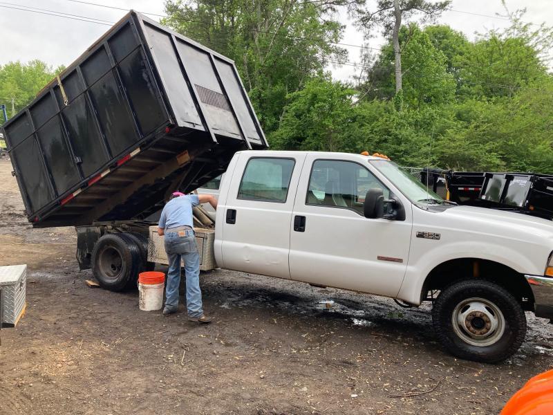 2004 Ford F350 Crew Cab 4x4 Dump Truck