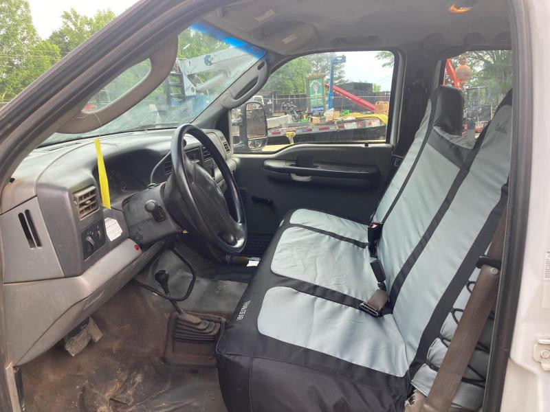 2004 Ford F550 Chip Truck