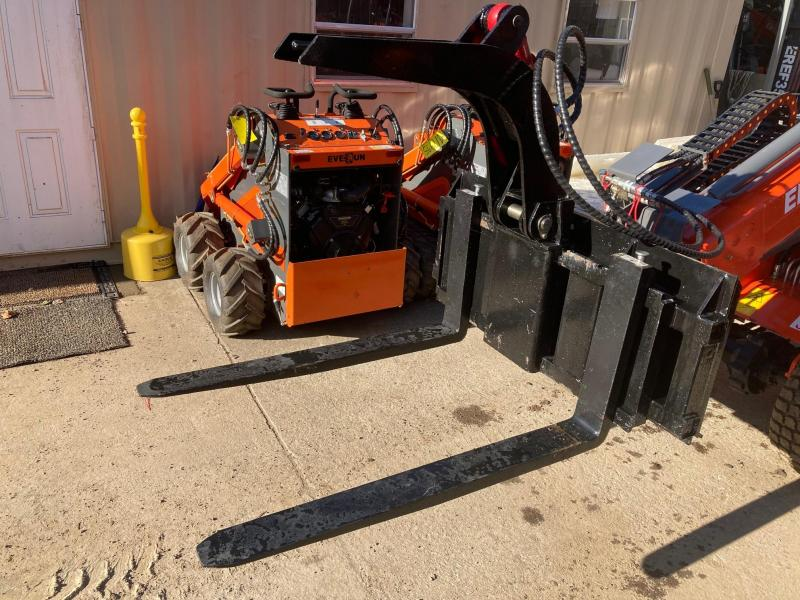 """2021 Iron Rhino 42"""" Skid Steer and MT50 Grapple Fork 4400# Skid Steer Attachment"""