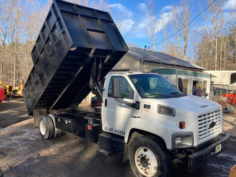 2004 Chevrolet 7500 Dump Truck