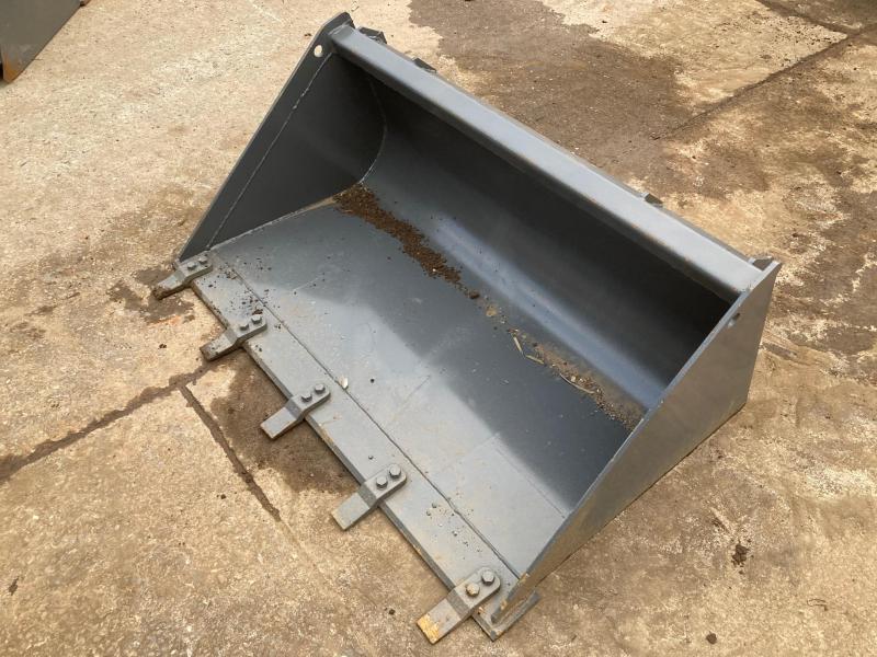 "2021 50"" High Capacity Dirt Bucket with Teeth Skid Steer Attachment"