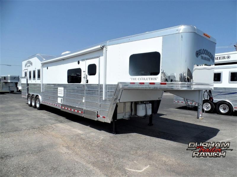 "2020 Bloomer 4H w/ 17'2"" Short Wall & 6' Hyd Slide Horse Trailer"