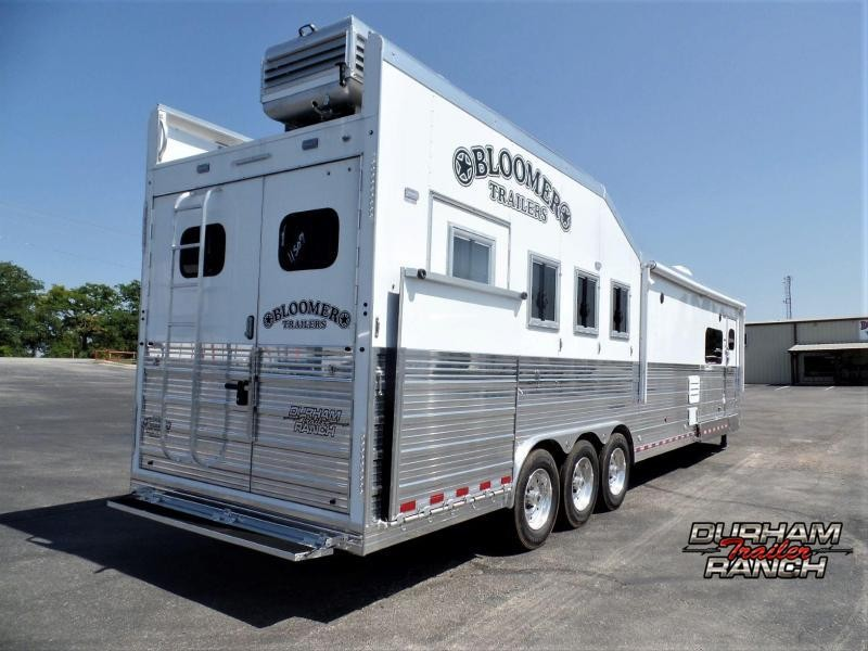 """2020 Bloomer 4H w/ 17'2""""sw Outlaw Conversion w/ Hyd Slide Horse Trailer"""