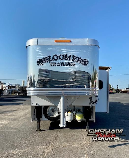 2012 Bloomer 4H 15'sw LQ Horse Trailer
