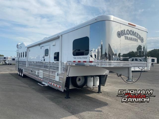 2016 Bloomer Horse Trailer