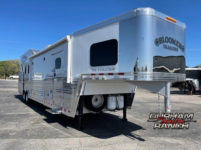 2021 Bloomer 3 Horse PC Load 15 FT Outlaw Conversion LQ