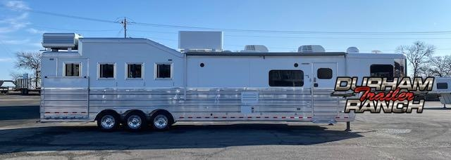 2016 Bloomer 4H Horse Trailer
