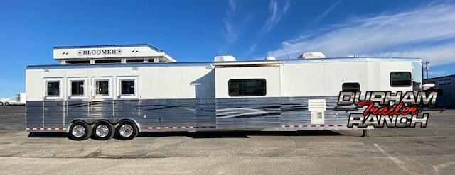 2008 Bloomer 4H Horse Trailer