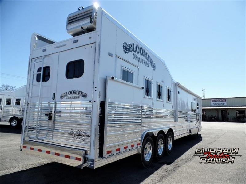 """2020 Bloomer 4H PC Load w/ 18'9"""" SW and 10' Hyd. Slide Out Horse Trailer"""
