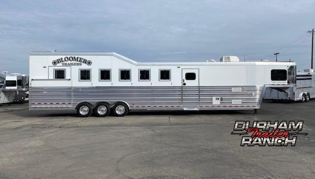 2016 Bloomer 6H Horse Trailer