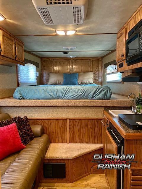 2012 Platinum Coach 2H Horse Trailer