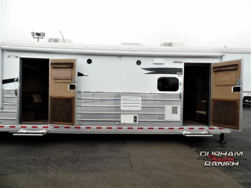 """2016 Bloomer 4H w/ 19'6"""" Short Wall LQ and 6' Hyd. Slide Horse Trailer"""