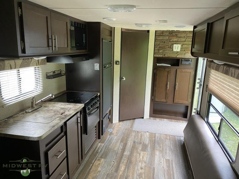 2015 Forest River Grey Wolf 26RR Toy Hauler RV