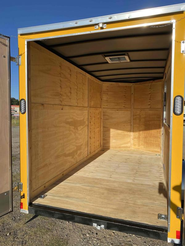 6x12 7' 3x6 Window Yellow Enclosed Cargo Concesion