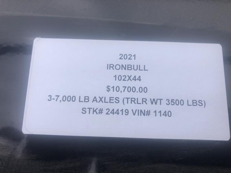 2021 IRON BULL 102 X 44 GOOSENECK TRIPLE AXLE EQUIPMENT TRAILER W/ DRIVE OVER FENDERS