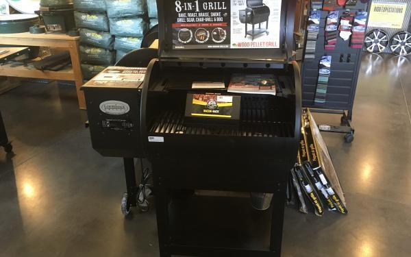 Louisiana Grills LG700 Wood Pellet Grill