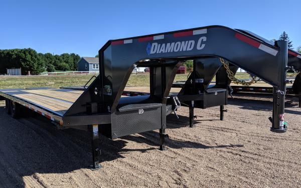 2020 Diamond C FMAX210 32' Flatbed Trailer w/ Max Ramps