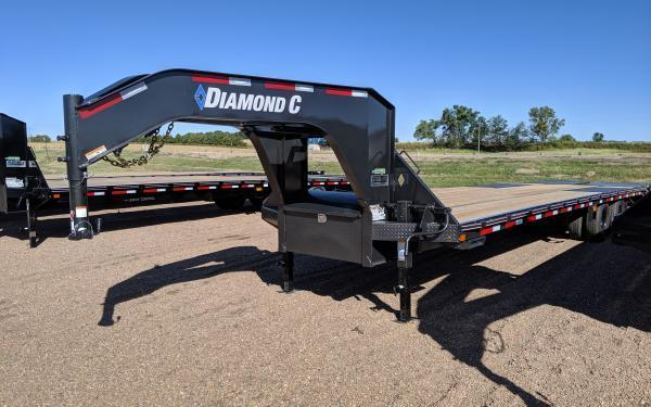 2020 Diamond C FMAX210 32' Flatbed Trailer w/ Max Ramps