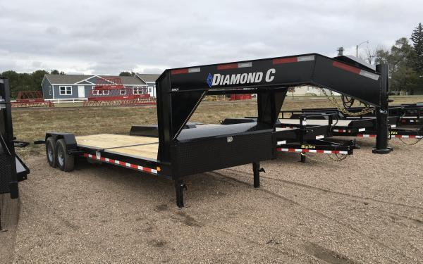 2020 Diamond C CHDT 25' Low Pro Gooseneck Tilt Equipment Trailer
