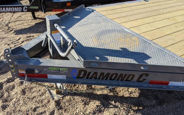 """2020 Diamond C LPX 82"""" x 22' Equipment Trailer"""
