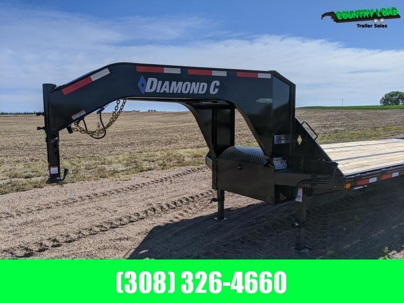 Diamond C FMAX212 32' HDT