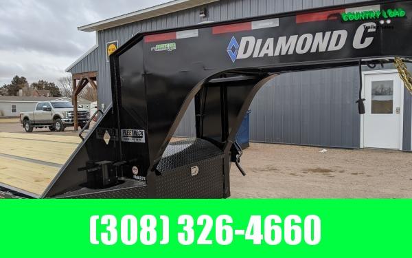 Diamond C FMAX212 40' Flatbed Trailer w/ Max Ramps