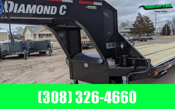 Diamond C FMAX212 40' Flatbed Trailer w/ Max Ramps