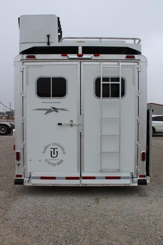 2016 Platinum Coach 4 horse with 15' Living Quarter