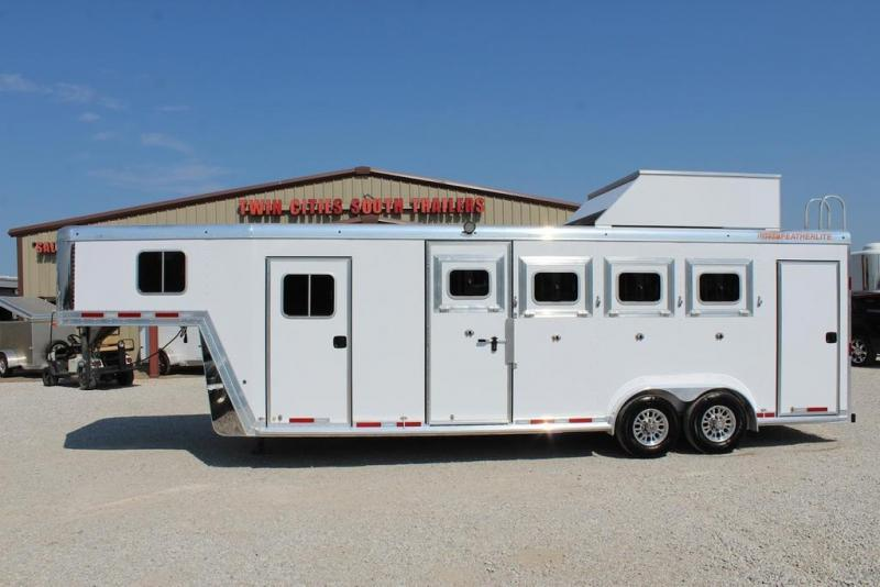 2018 Featherlite 4 horse with dressing room