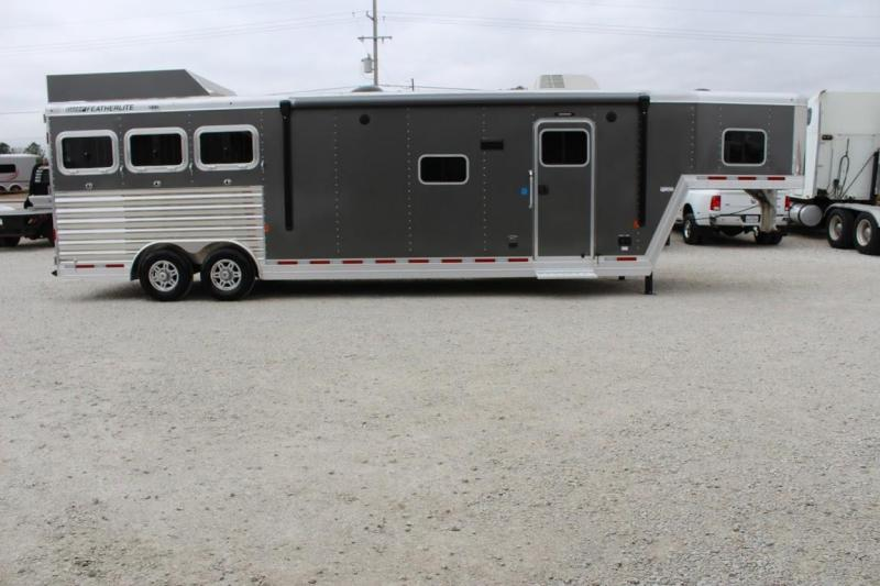 2021 Featherlite 7821 Horse Trailer
