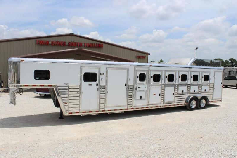2008 Hart 6 horse with Dressing Room and Midtack