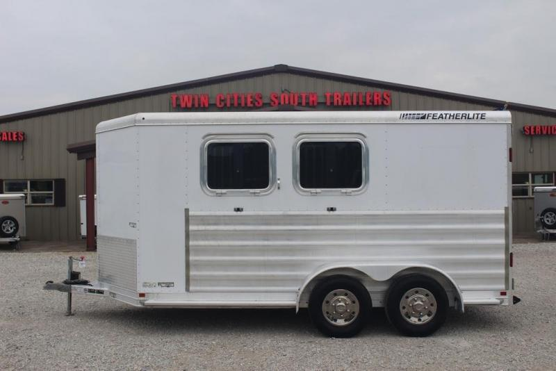 2015 Featherlite 9409 Horse Trailer