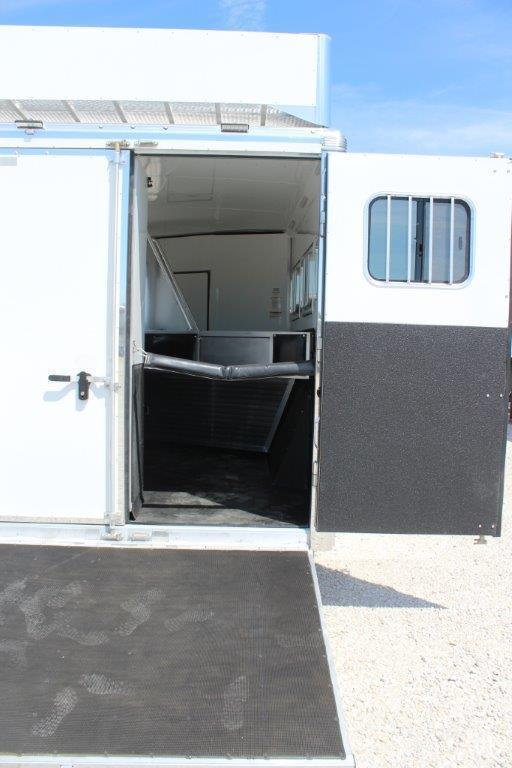"""2019 Sundowner 3 horse with 16'6"""" LQ with Slide Out"""