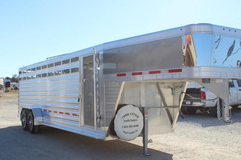 2021 Featherlite 8117 Livestock Trailer