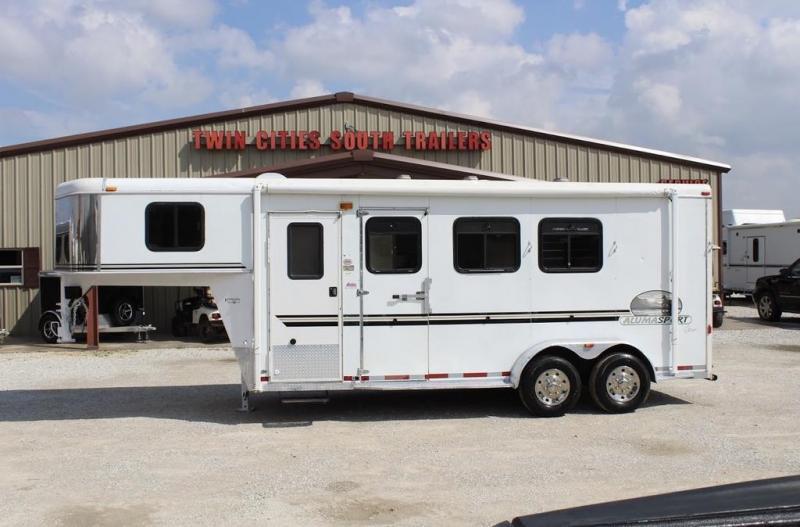 2003 Bison 3 horse slant weekender