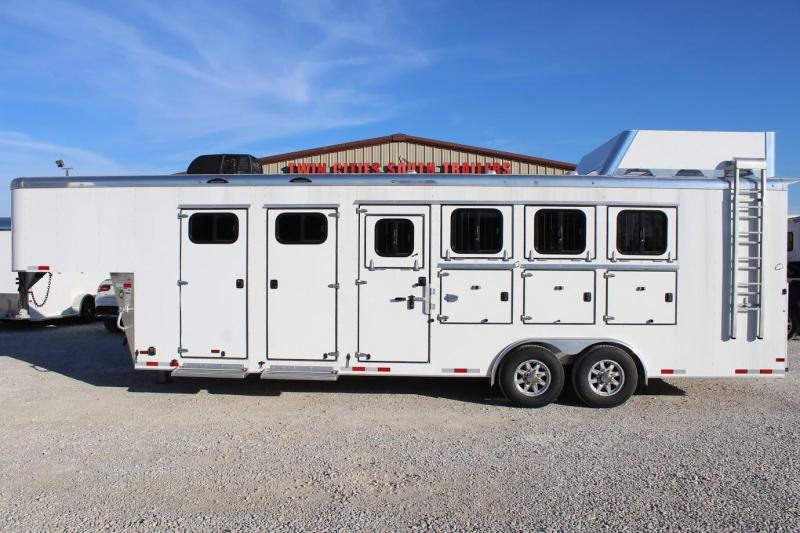 2020 Sundowner 4 horse with Dressing Room MidTack
