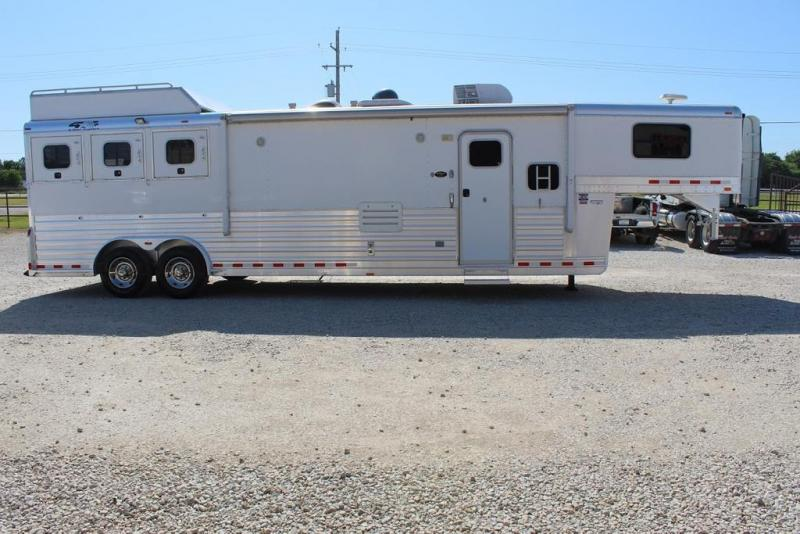 2007 4-Star Trailers Living Quarter Horse Trailer
