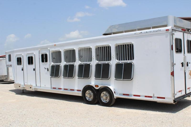 2007 Featherlite 9642 Horse Trailer