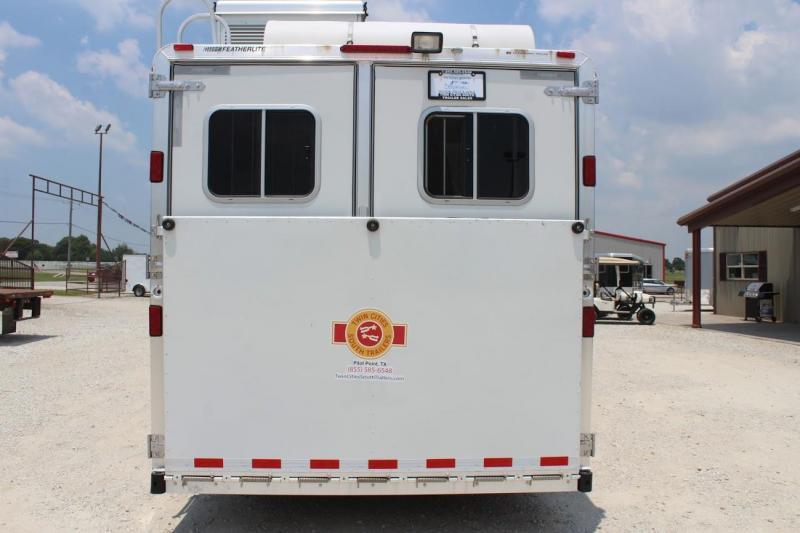 2008 Featherlite 8581 Horse Trailer