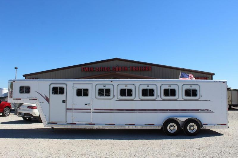 2000 Exiss Trailers extreme Horse Trailer