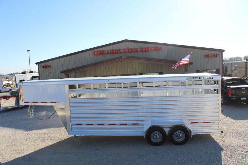 2021 Featherlite 8117 Livestock Trailer