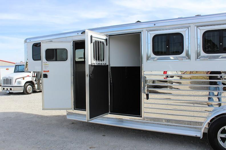 2020 Sundowner 4 horse slant gooseneck