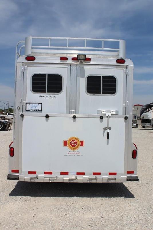 2001 Elite 8 horse slant gooseneck