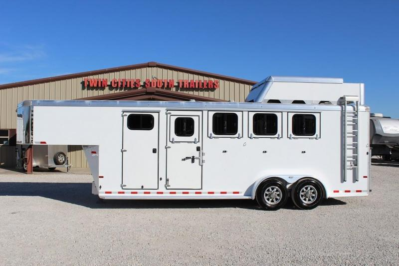 2020 Sundowner Trailers Super Tack Horse Trailer