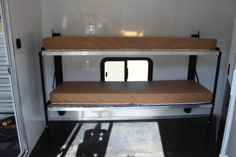 2017 Bison Trailers stock/combo Horse Trailer